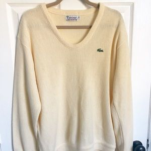 Vintage Men's Izod v-neck sweater
